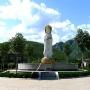 桃峰陵园三面观音