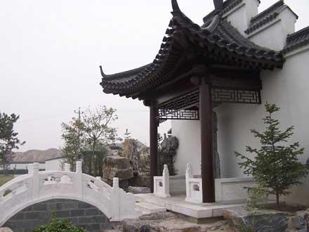 卧龙公墓-半亭