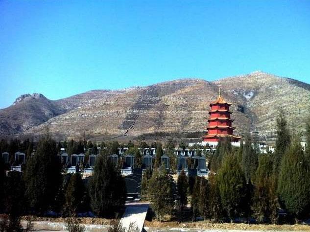 皇家龙山陵园景色