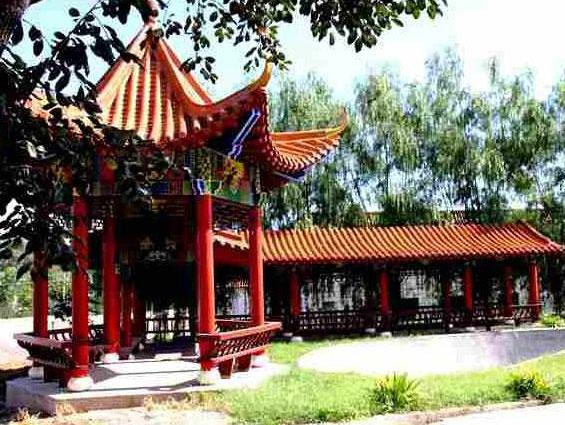 皇家龙山陵园-亭子