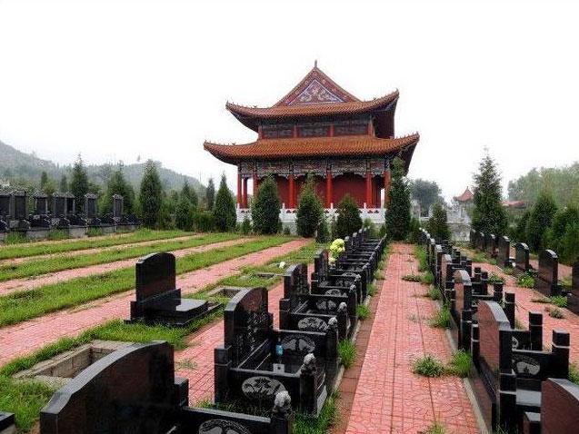 皇家龙山陵园墓区