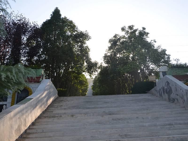 汉陵墓园石阶