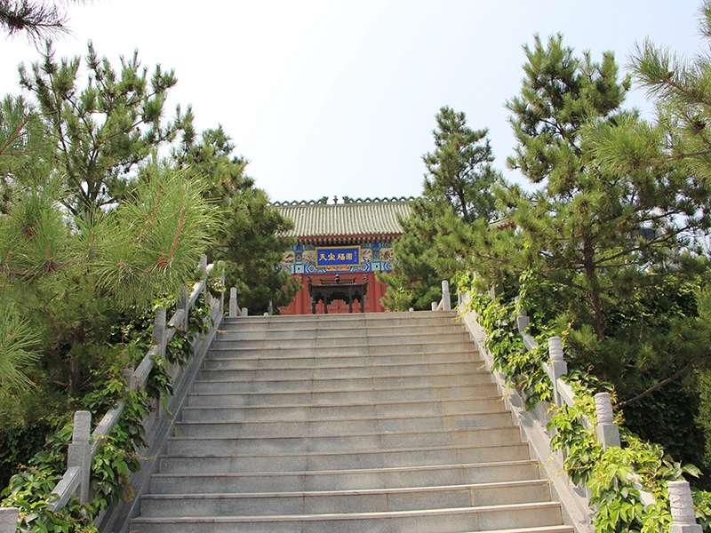 灵山宝塔陵园园区景观图