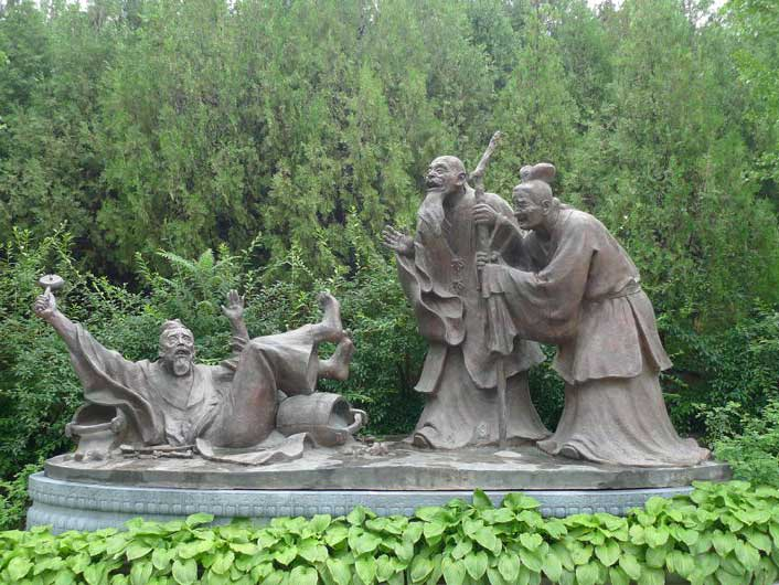 二十四孝雕塑之戏彩娱亲