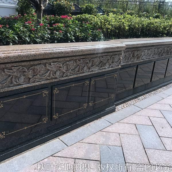紫鹃苑A15区花坛葬