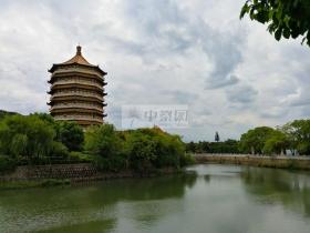 凤凰池墓区